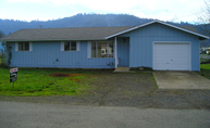 221 Carter St Winston OR, 97496