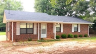 354 Reed Rd West Point GA, 31833