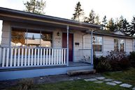 323 Ne 158th St. Shoreline WA, 98155