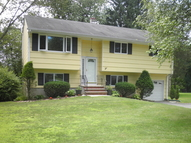 6 Hillside Dr Clinton NJ, 08809