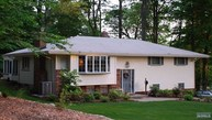 216 Homestead Pl Park Ridge NJ, 07656