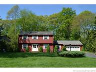 15 Stone Cliff Dr Niantic CT, 06357