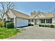 29 Whittaker Ln Groton CT, 06340