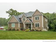 8 Whispering Woods Rd Tolland CT, 06084
