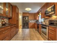 21 Tuttle Ct Bethany CT, 06524