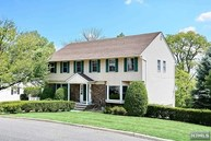 70 Elliot Ct Oradell NJ, 07649