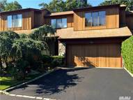 122 The Crescent Roslyn Heights NY, 11577