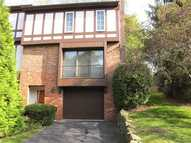 207 Queensberry Pittsburgh PA, 15237