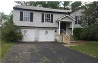 4906 River Trail Ct Columbus OH, 43228