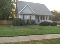 9102 Glasslipper Ct Louisville KY, 40229