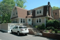 35 Brookside Ave Livingston NJ, 07039