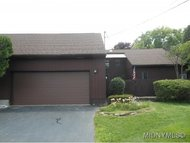 2 Old Bourne Dr. Clinton NY, 13323