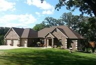 3734 Valley Oaks Dr Clinton IA, 52732