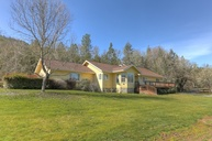 2660 Foots Creek Rd Gold Hill OR, 97525