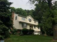 442 N Bishop Ave Clifton Heights PA, 19018