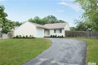 44 Mercury Ave East Patchogue NY, 11772