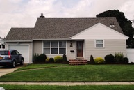 451 15th Street West Babylon NY, 11704