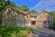 45 Pond View Dr West Milford NJ, 07480