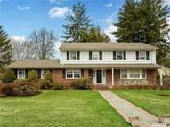 21 Hewlett Dr East Williston NY, 11596