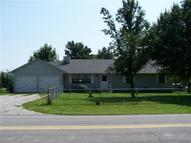 4817 S Lefholz Road Oak Grove MO, 64075