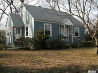 7 Pauline Pl East Northport NY, 11731