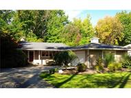 371 Hickory Hill Rd Chagrin Falls OH, 44022