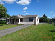 36 Circle Dr Wyoming PA, 18644