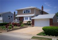 2921 Bellport Ave Wantagh NY, 11793