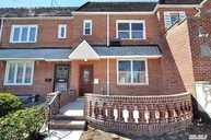 62-04 80th St Middle Village NY, 11379