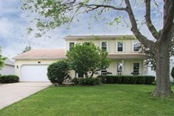218 Gingerbrook Lane Bartlett IL, 60103