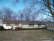 784 North Oak Carlinville IL, 62626