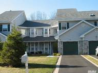 54 Willow Wood Dr East Setauket NY, 11733