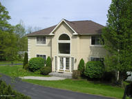193 Kingswood Dr Dallas PA, 18612