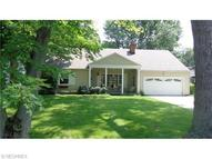447 Powell Dr Bay Village OH, 44140