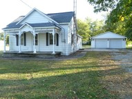 607 E Third Kinmundy IL, 62854