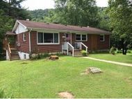 110 W Gilley Ave Big Stone Gap VA, 24219