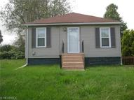 318 Frisby Ave Barberton OH, 44203
