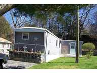 25 Woodridge Dr Mapleville RI, 02839