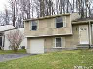 4136 Tommys Trl Liverpool NY, 13090