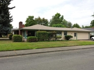414 Ne Dean Dr Grants Pass OR, 97526