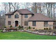 560 Woodbury Dr Fairlawn OH, 44333