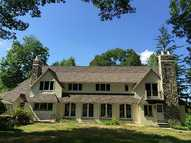 960 Hartford Pike Scituate RI, 02857