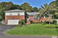 21 Woodland Ave Brookhaven NY, 11719