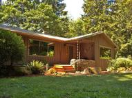 27515 E Belle Lake Rd Rhododendron OR, 97049
