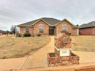 646 Crescent Circle Midwest City OK, 73110