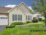 28 Goldfinch Dr Hamilton NJ, 08690
