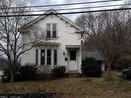 34 Walnut St Putnam CT, 06260
