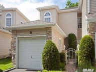 83 Windwatch Dr Hauppauge NY, 11788