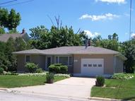 406 West 9th St Vinton IA, 52349