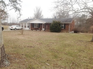 1635 Neals Creek Rd Stanford KY, 40484